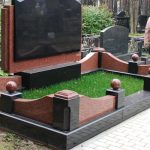 Меморіальний комплекс з лезниківського граніта