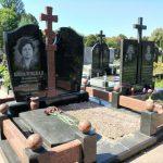 Подвійний пам'ятник з православним хрестом